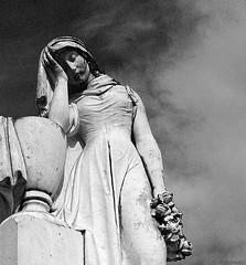 Cemitério Igreja S. Francisco, S. João Del Rey. Photo by Murilo.